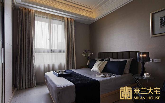 欧式 三居 白领 收纳 卧室图片来自米兰大宅设计会所在现代简欧的分享
