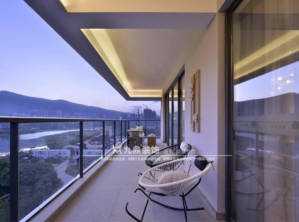 简约 休闲 舒适 四居 阳台图片来自九鼎建筑装饰工程有限公司成都分在麓山国际的分享