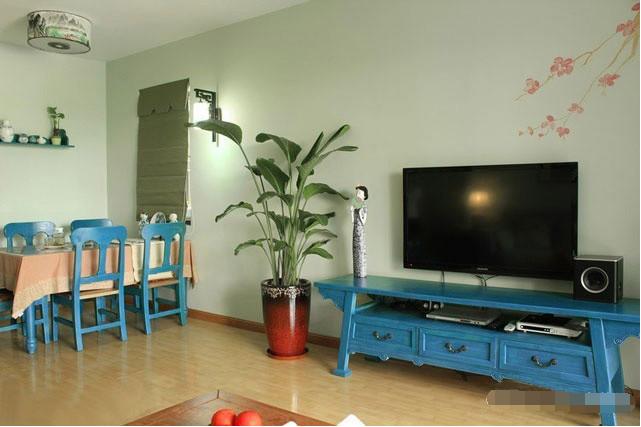 简约 二居 客厅图片来自西安紫苹果装饰工程有限公司在保利·金香槟的分享