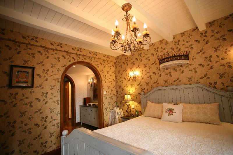 卧室图片来自北京居然元洲装饰小尼在天通苑地中海乡村混搭浪漫温馨的分享