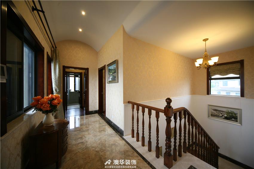 欧式 别墅 混搭 美式 楼梯图片来自澳华装饰有限公司在保利十二橡树·美式庄园的分享