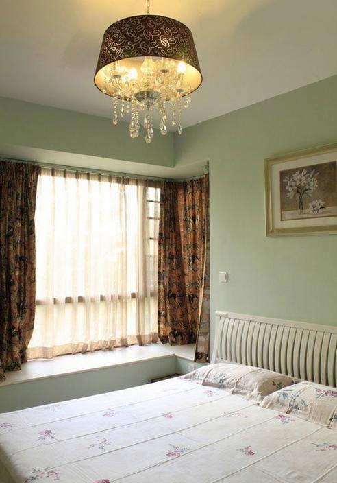 简约 二居 卧室图片来自西安紫苹果装饰工程有限公司在保利·金香槟的分享