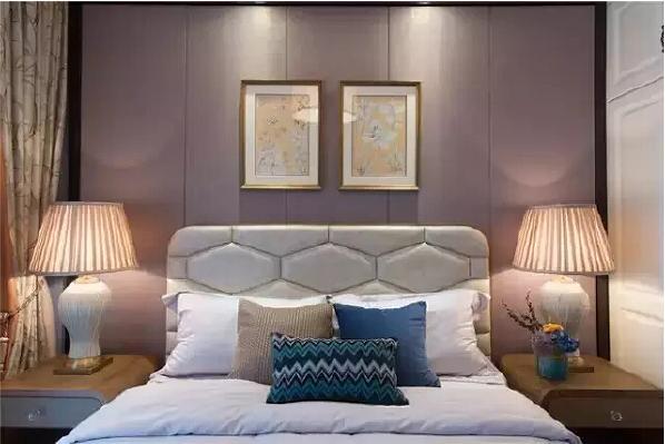 舒适的床为孩子提供优质的睡眠,书桌用来学习,飘窗可以尽情放松,一间功能齐全的儿童房让孩子更好的成长。