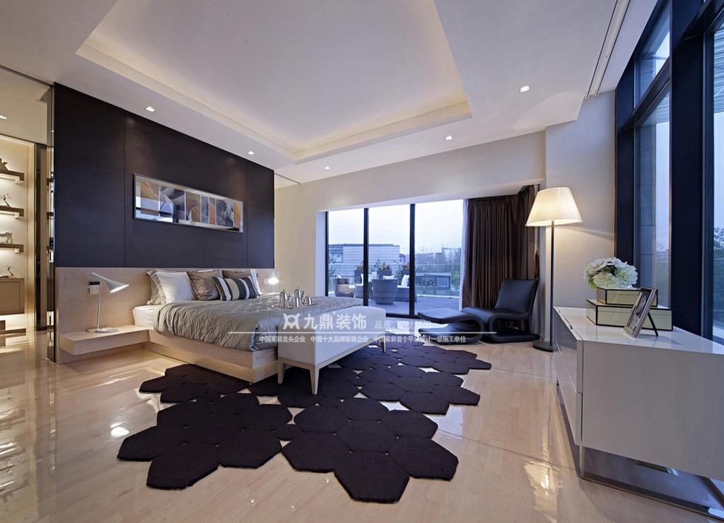 简约 休闲 舒适 四居 客厅图片来自九鼎建筑装饰工程有限公司成都分在麓山国际的分享