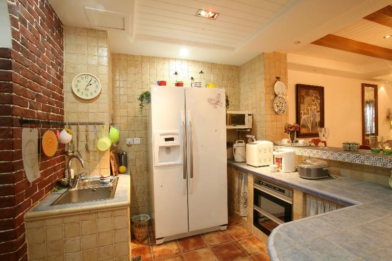 厨房图片来自北京居然元洲装饰小尼在天通苑地中海乡村混搭浪漫温馨的分享