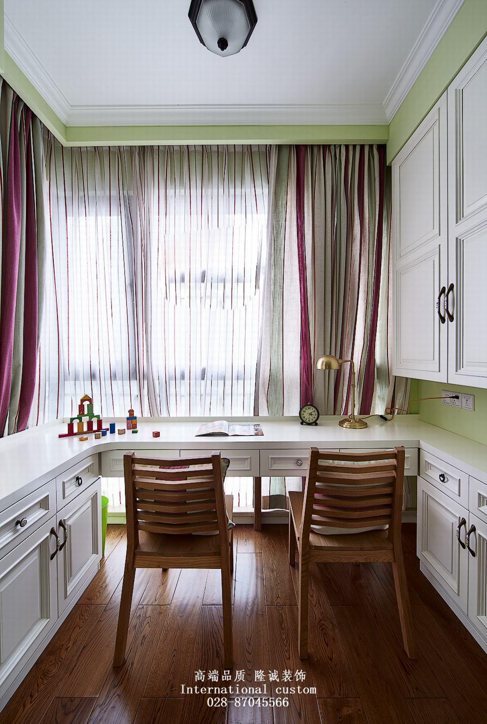 三居 白领 收纳 旧房改造 80后 小资 舒适 温馨 美式 书房图片来自fy1831303388在爱汀府的分享