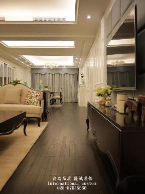 欧式 三居 白领 收纳 旧房改造 80后 小资 舒适 温馨 客厅图片来自fy1831303388在华侨城的分享