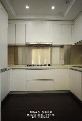 欧式 三居 白领 收纳 旧房改造 80后 小资 舒适 温馨 厨房图片来自fy1831303388在华侨城的分享
