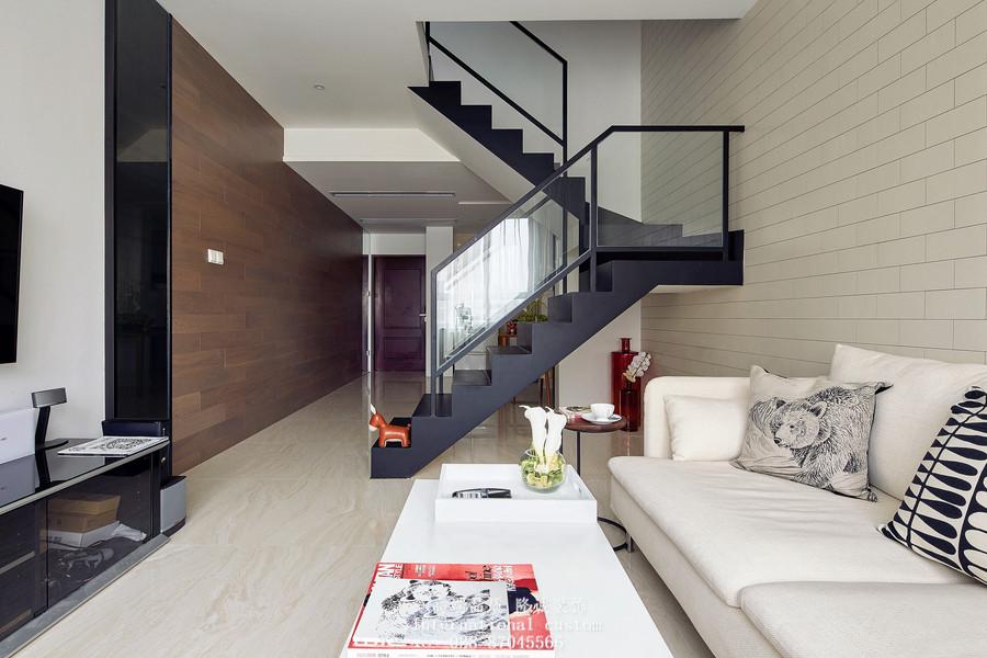 简约 白领 收纳 旧房改造 80后 小资 舒适 温馨 复式 客厅图片来自fy1831303388在海棠湾的分享
