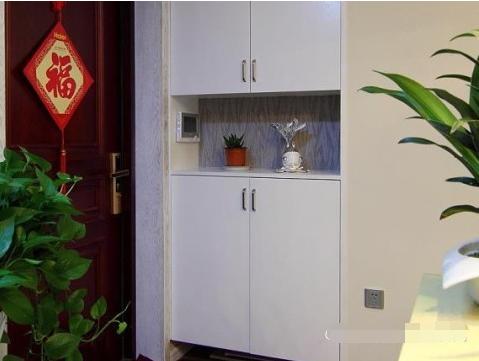 简约 二居 玄关图片来自西安紫苹果装饰工程有限公司在兴盛家园的分享
