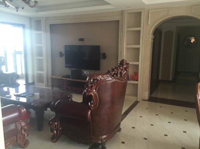 欧式 奥北公元 装修实景 实创装饰 毛坯房装修 客厅图片来自大宅别墅装修设计在实景丨奥北公元165平欧式风格的分享