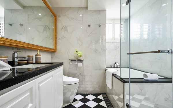 欧式 三居 卫生间图片来自上海潮心装潢设计有限公司在126平欧式风格三居室装修样板间的分享