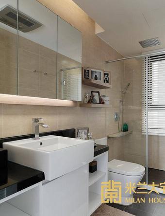 在有限的浴室空间内,设计师细腻观察到五金置物架可能产生的清洁困扰,特别于淋浴区内增设人造石平台,大幅提高空间实用性。