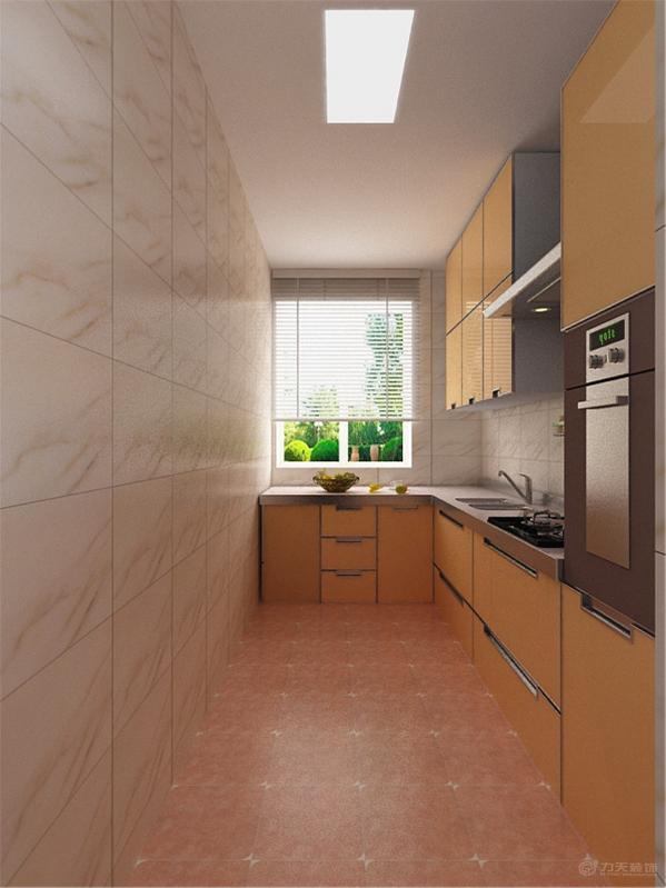 最后看厨房,厨房是以L形橱柜,以米黄色烤漆为主,虽然没有美式的感觉但却很有做饭的意境地面通铺300*300地砖。