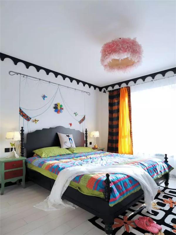 梦幻的卧室,有彩蝶翩翩,像谁在彩虹之巅。