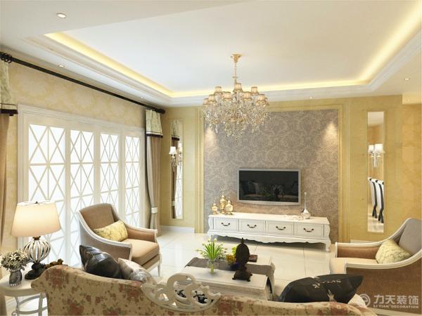 电视背景墙采用金线米黄大理石做的三个几何造型,既简单又大方,再加上色彩为暗紫色的壁纸(属暖色调),配上顶部照下来的灯光,整个电视背景墙把客厅提升起来。沙发背景墙只做了简单的处理,用装饰画做简单装饰。