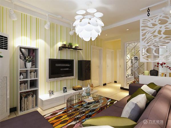 整个空间的软装都是以极鲜艳的色调为主,装饰品和画、绿植是起点缀作用,整个起居室是以暖色为主。既趋于现代实用,又明亮大方的特征。