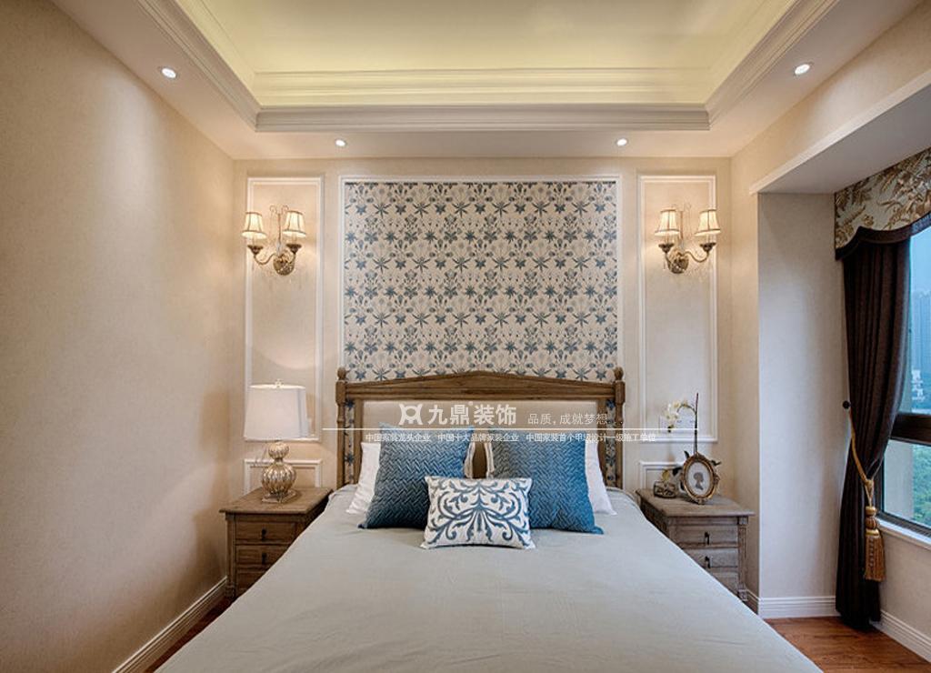 美式 四居 舒适 卧室图片来自九鼎建筑装饰工程有限公司成都分在中德英伦联邦的分享