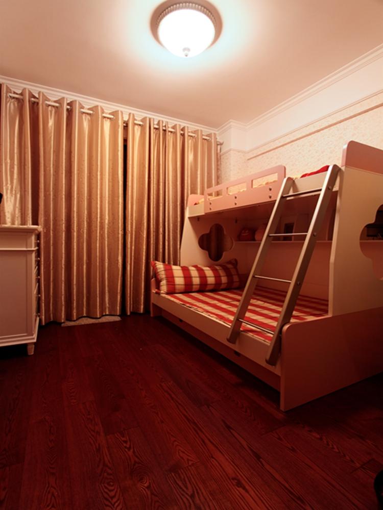 简约 欧式 三居 小资 80后 白领 卧室图片来自天津实创装饰赵在浮华淡尽旺海公府的分享