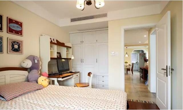 美式 二居 卧室图片来自实创装饰上海公司在沙发不靠墙妥妥搞定奇葩户型的分享