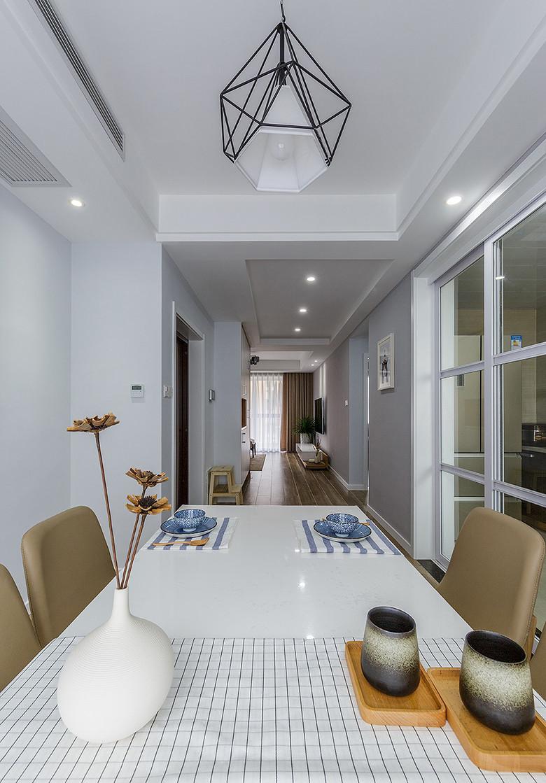 简约 三居 餐厅图片来自一道伍禾装饰在领秀慧谷原木清新风设计的分享