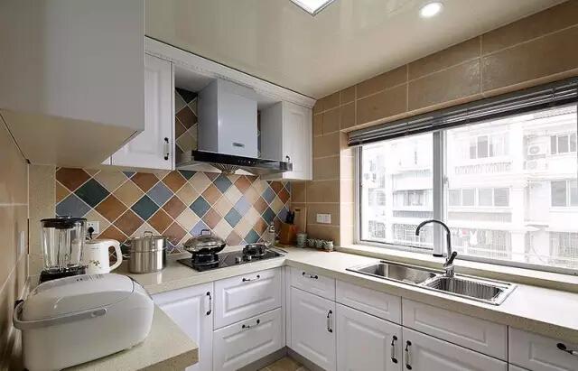 美式 二居 厨房图片来自实创装饰上海公司在沙发不靠墙妥妥搞定奇葩户型的分享