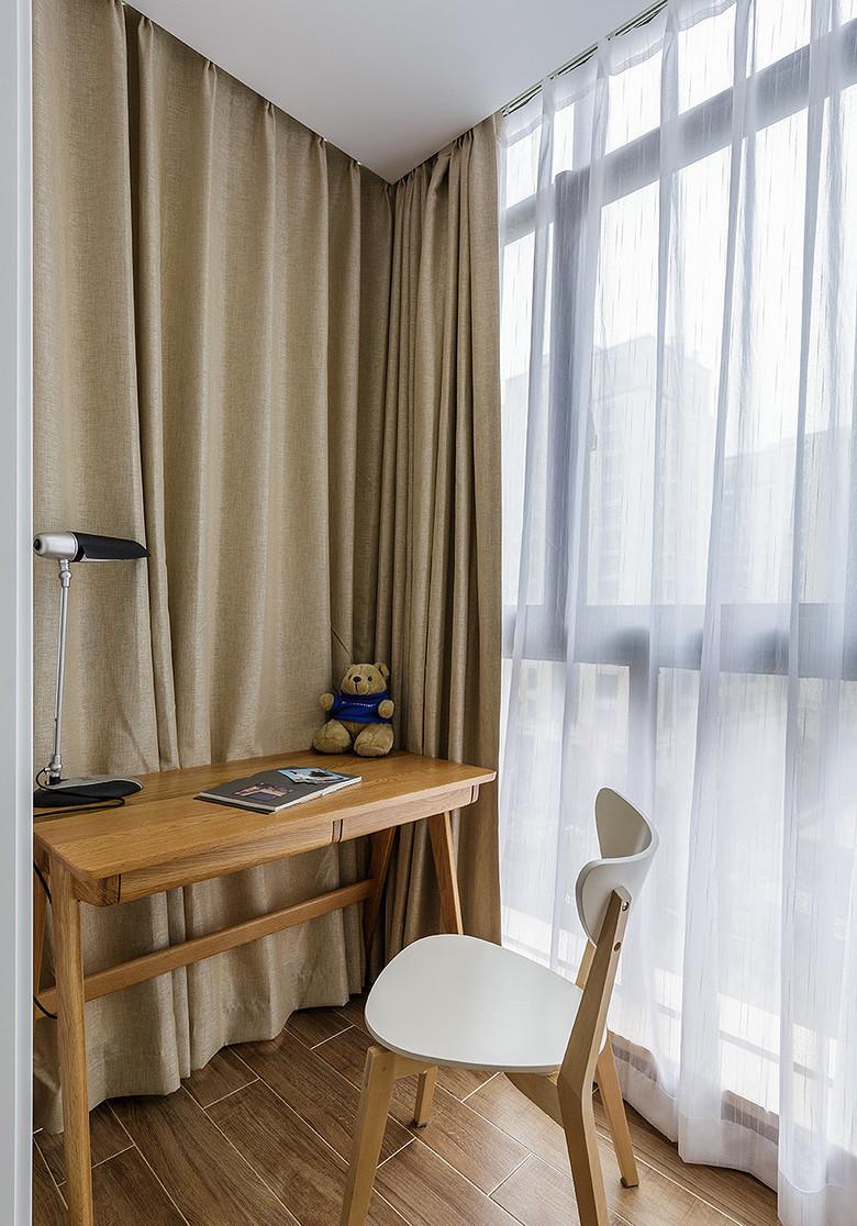简约 三居 阳台图片来自一道伍禾装饰在领秀慧谷原木清新风设计的分享