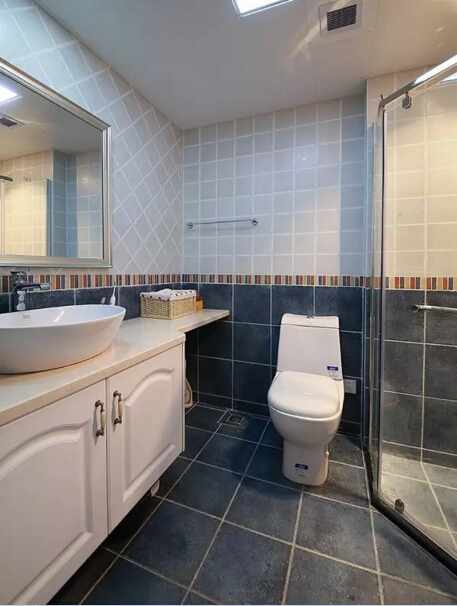 美式 二居 卫生间图片来自实创装饰上海公司在沙发不靠墙妥妥搞定奇葩户型的分享