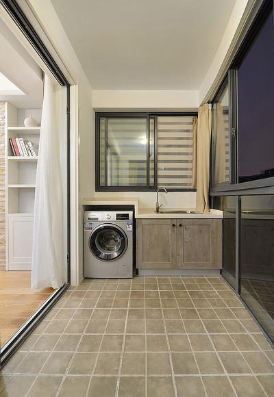 阳台图片来自家装大管家在舒服有格调 87平简约清新时尚居的分享