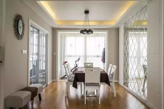 简约 田园 二居 混搭 欧式 三居 别墅 白领 收纳 餐厅图片来自上海实创-装修设计效果图在松江九亭125平米现代简约风格的分享
