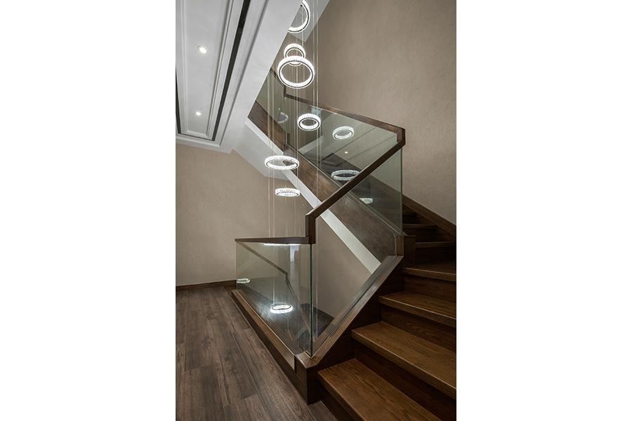 简约 别墅 白领 收纳 旧房改造 80后 小资 舒适 温馨 楼梯图片来自fy1831303388在远大林语城的分享