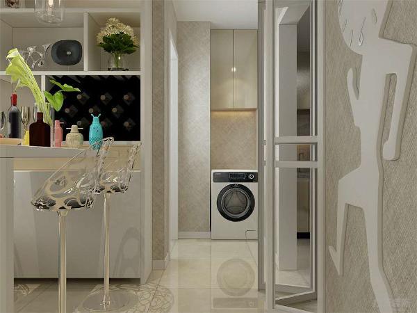 在客厅位置,家具材质和餐厅统一。深木色家具和淡绿色背景墙搭配。活跃客厅空间气氛,在卧室的空间,选择了一组彩色画,和床的颜色搭配,增加重色。