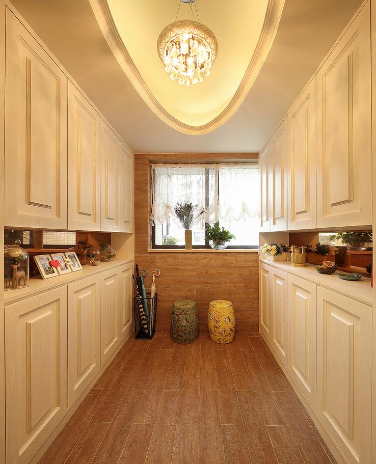 欧式 厨房图片来自西安紫苹果装饰工程有限公司在龙湖香醍的分享