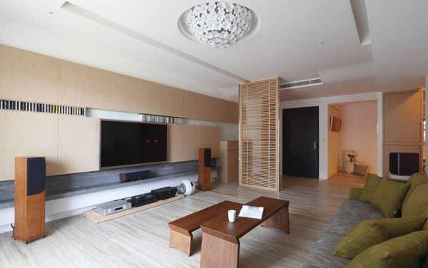 简约 三居 客厅图片来自上海潮心装潢设计有限公司在116平装修简约设计增添空间表情的分享