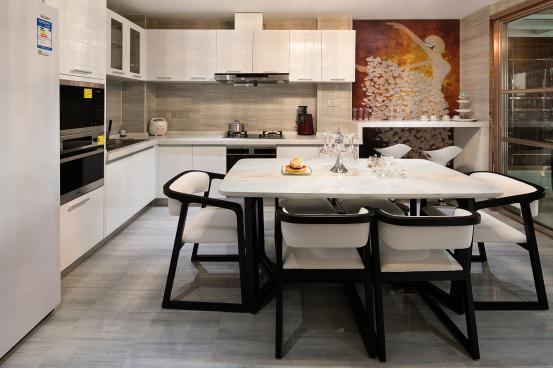 简约 餐厅图片来自金煌装饰有限公司在北辰定江洋现代简约风格的分享