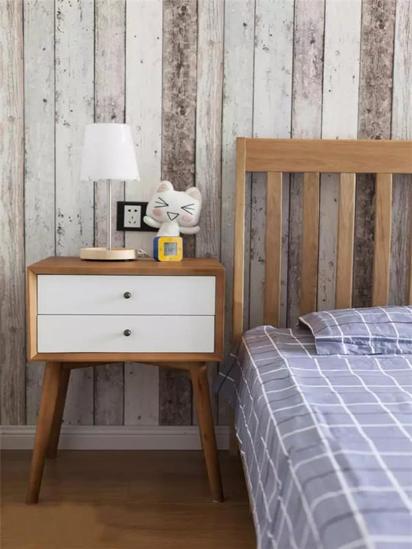 简约 现代 二居 收纳 小资 卧室图片来自沙漠雪雨在80平米单身女小资的家的分享