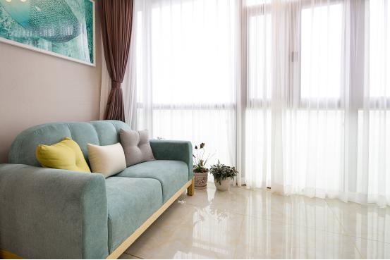 简约 客厅图片来自金煌装饰有限公司在北辰定江洋现代简约风格的分享