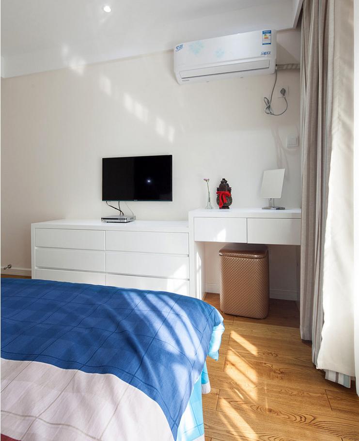 简约 三居 卧室图片来自西安紫苹果装饰工程有限公司在智慧新城1的分享