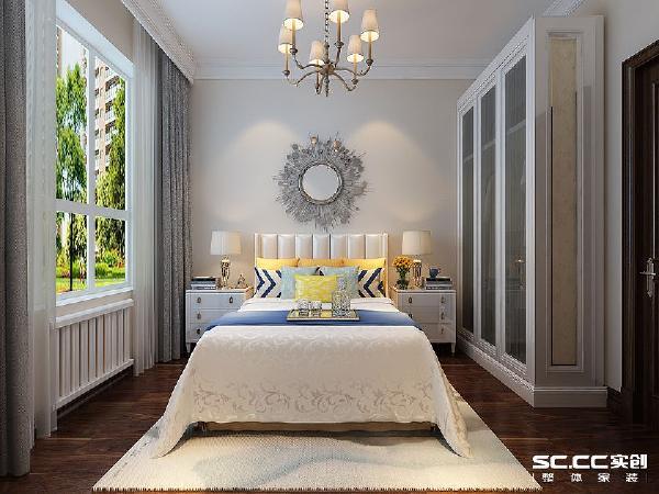 卧室不仅有休息的功能,更是让眼部放松的场所,运用绿色的镜花来拼花,更体现了这一主题。