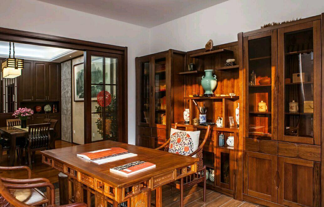 南国明珠 四居室 中式 165平 嘉年华 餐厅图片来自武汉嘉年华装饰在南国明珠的分享