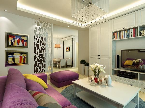 沙发才用了颜色较深的紫色系,凸显出高贵典雅。使整个空间的色调比较中和。电视背景墙采用了比较使用的柜子。美观又不失实用性。