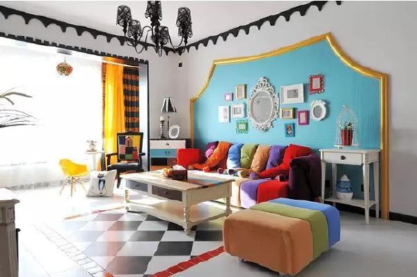鲜亮的糖果色家具和装饰,带给人轻快的心情,生活不是平淡如水,而是充满激情。
