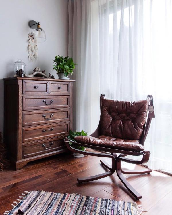通过硬装和软装的自然结合,营造温馨而自然的舒适感觉。