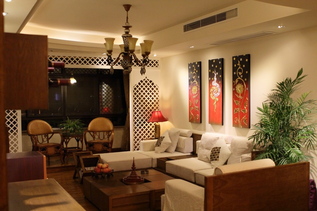 三居 旧房改造 小资 客厅图片来自广州泥巴公社装饰在东南亚.晓翠苑的分享