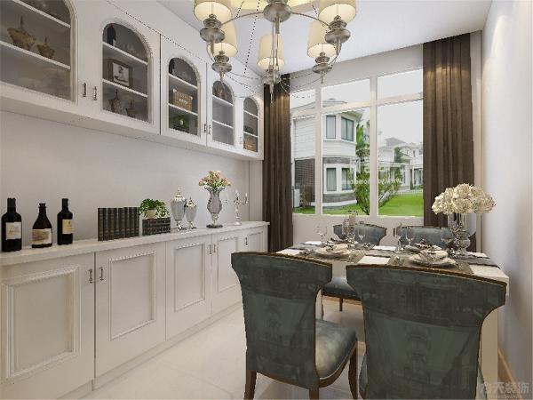 餐厅和客厅整体地面采用800*800的大理石地砖,显示空间感,大厅室内感觉也很明亮,方便大厅和餐厅的打扫,便于清洁和保持卫生。