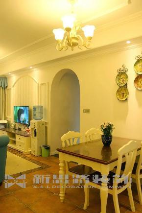 地中海 三室 温馨 风格 设计 家装 80后 餐厅图片来自新思路装饰客服在融创伊顿豪庭的分享