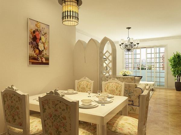 首先我们看客餐厅,客餐厅没有吊顶用一圈脚线装饰,白色的餐桌椅与碎花的布艺相结合,美丽清新。