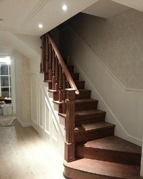 简约 三居 美式 白领 80后 小资 楼梯图片来自成都V2装饰在138平复式家居装修的分享