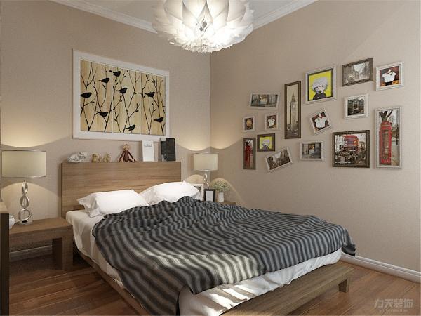 本案业主为年轻夫妻和父母,户型原本主卧室朝阳。老人喜欢阳光更充足一些的房间,所以将原来的主卧室作为老人房。