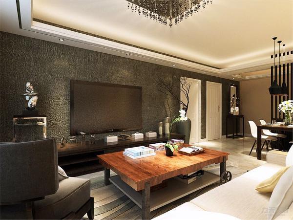 客餐厅采用800*800大地砖正铺,客厅中央用一个大吊灯,周边有孔灯互相辉映。